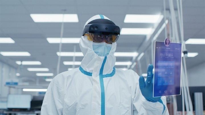 مایکروسافت از نسخه صنعتی هدست هولولنز ۲ با قیمت ۴۹۵۰ دلار رونمایی کرد