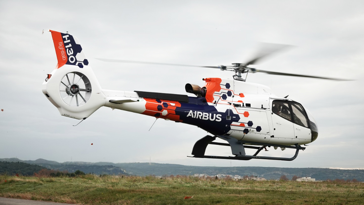 هلیکوپتر «فلایتلب» ایرباس برای آزمایش فناوریهای جدید به هوا برخاست