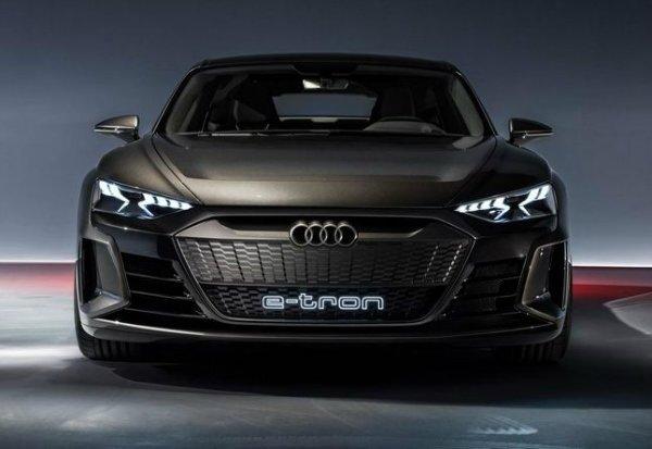audi e tron gt 8 آئودی e tron GT با طراحی خیرهکننده معرفی شد؛ همزاد پورشه تایکان، رقیب تسلا مدل S اخبار IT