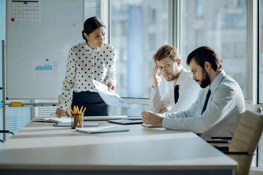 bigstock Bad Job Angry Female Boss web230764639 1 1024x683 چگونه میتوان در محیط کار با افراد غیرقابل تحمل همکاری موثر داشت؟ اخبار IT