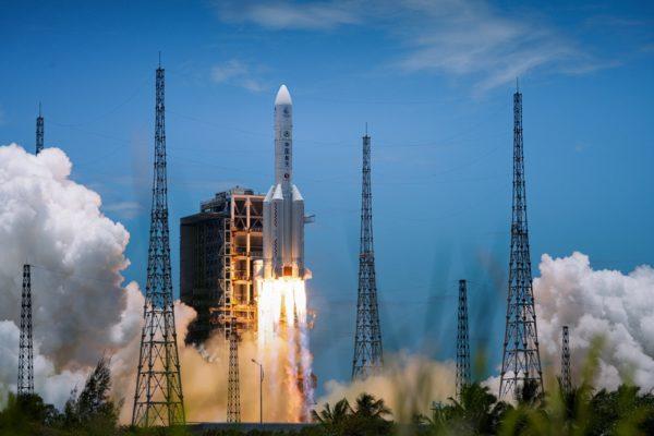 چین راکت فوق قدرتمند «لانگ مارچ ۹» را با هدف ارسال انسان به مریخ توسعه میدهد