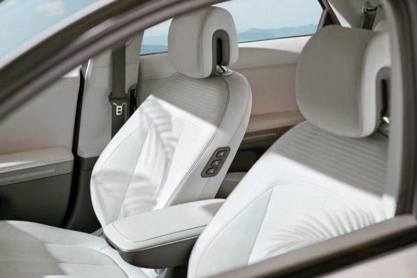 hyundai ioniq 5 seats 600x400 هیوندای loniq 5 برقی با طراحی خاص و حداکثر برد حرکتی 469 کیلومتر معرفی شد اخبار IT