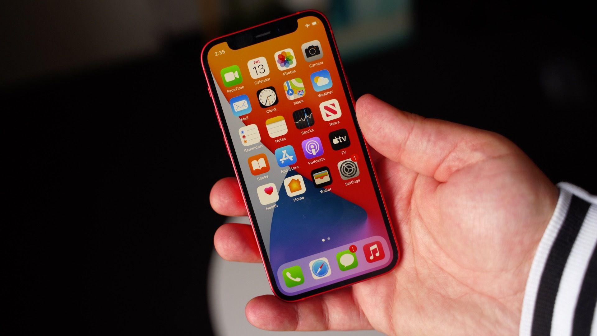 با وجود فروش پایین آیفون ۱۲ مینی، اپل آیفون ۱۳ مینی را توسعه میدهد