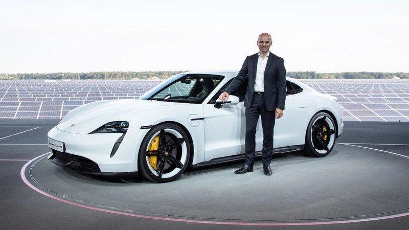 اپل مدیر سابق پورشه را برای ساخت خودروی برقی به خدمت گرفت