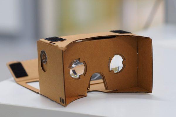 گوگل فروش هدست واقعیت مجازی Cardboard را پس از ۷ سال متوقف کرد