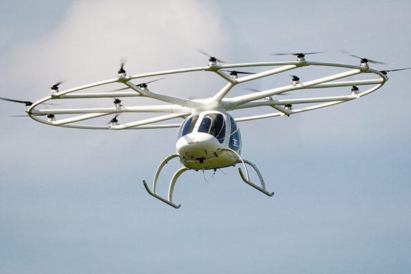 استارتاپ آلمانی با جذب ۲۴۱ میلیون دلار، تاکسی پرنده عمود پرواز میسازد