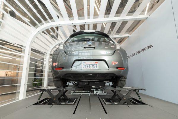 راهکار استارتاپ Ample خودروهای برقی را در ۱۰ دقیقه کاملا شارژ میکند