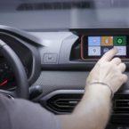 داچیا ساندرو تلفن همراه راننده را به نمایشگر سیستم اینفوتینمنت تبدیل میکند