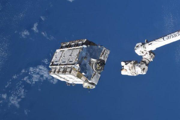 ایستگاه فضایی بین المللی بزرگترین زباله خود با ۳ تن وزن را رها کرد