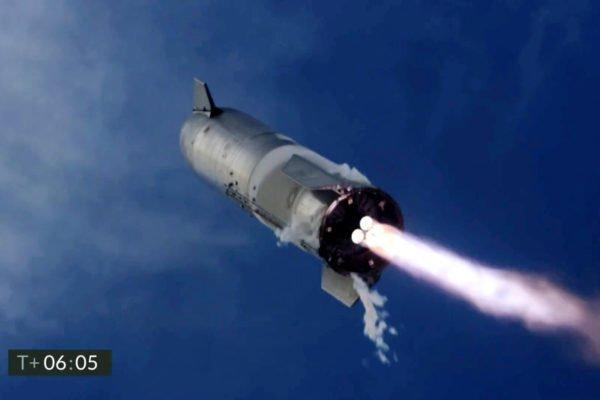 انفجار نمونه آزمایشی فضاپیمای استارشیپ پس از فرود موفق [تماشا کنید]