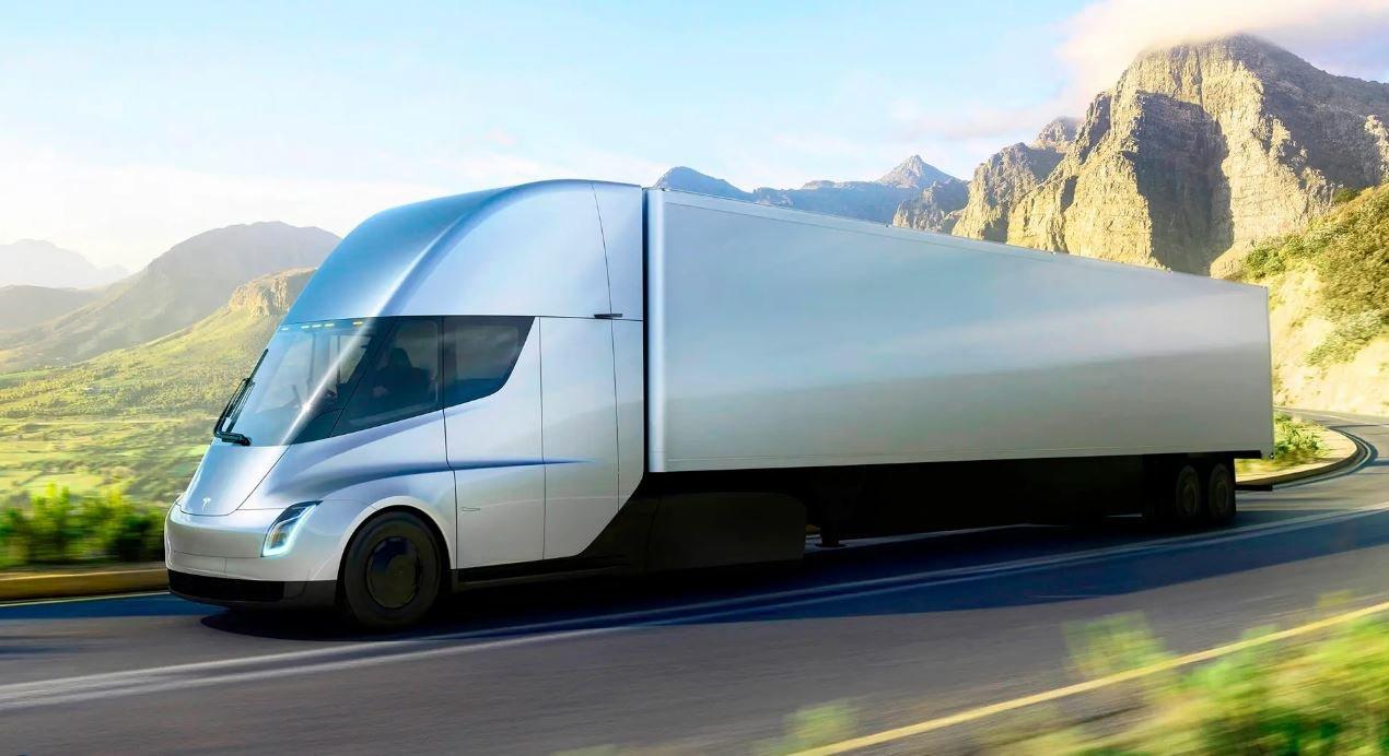 ایلان ماسک: کامیون تسلا امسال هم به بازار نمیآید
