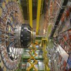نقض قوانین فیزیک در روز روشن: ماجرای دو آزمایش جنجال برانگیز در حوزه فیزیک ذرات