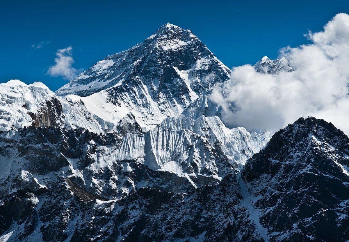ویروس کرونا به بلندترین قله جهان، اورست رسید