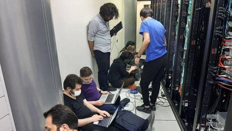 تلاش تیم فنی در حمله هکری ابر آروان