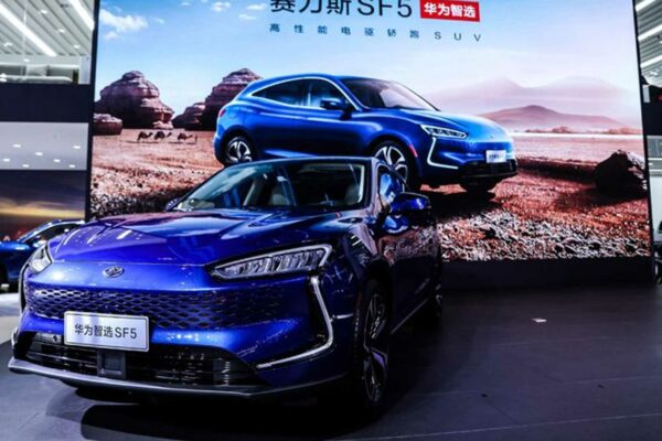 هواوی با Seres SF5 رسما وارد صنعت خودروسازی شد