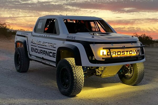 قدرتنمایی نسخه ریس پیکاپ لوردستون در مسابقات صحرانوردی باجا