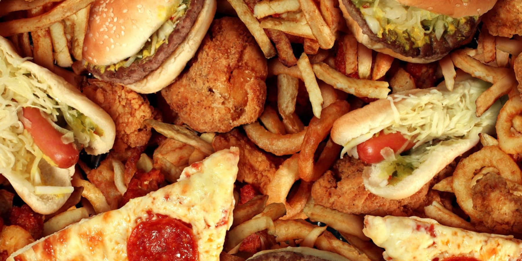مطالعه جدید؛ تغذیه ناسالم به سرعت بر کارایی افراد تاثیر میگذارد