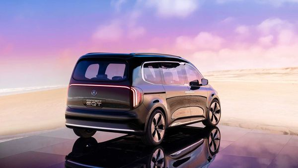 قیمت خودروهای برقی تا سال ۲۰۲۷ ارزانتر از مدلهای بنزینی و دیزلی میشود