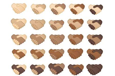 کاربران از سال آینده میتوانند رنگ پوست ایموجی «دست دادن» را شخصیسازی کنند