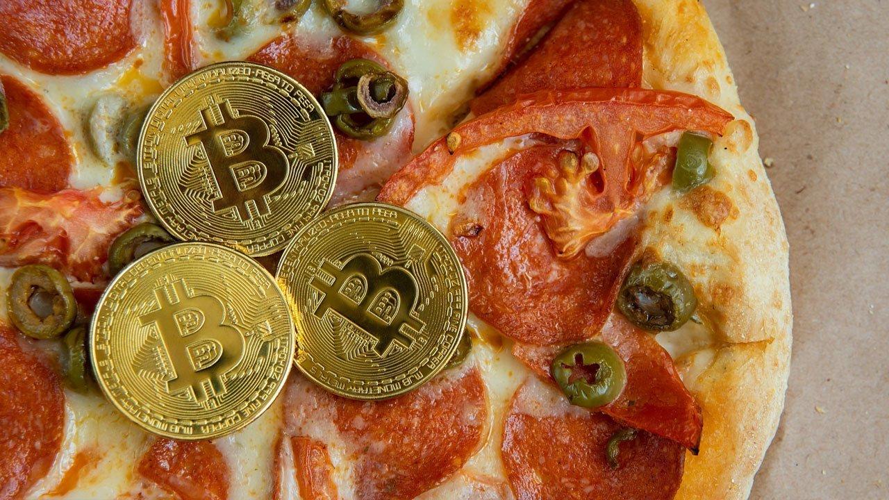 پیتزاهای ۴۰۰ میلیون دلاری؛ داستان خرید ۲ پیتزا با ۱۰ هزار بیت کوین