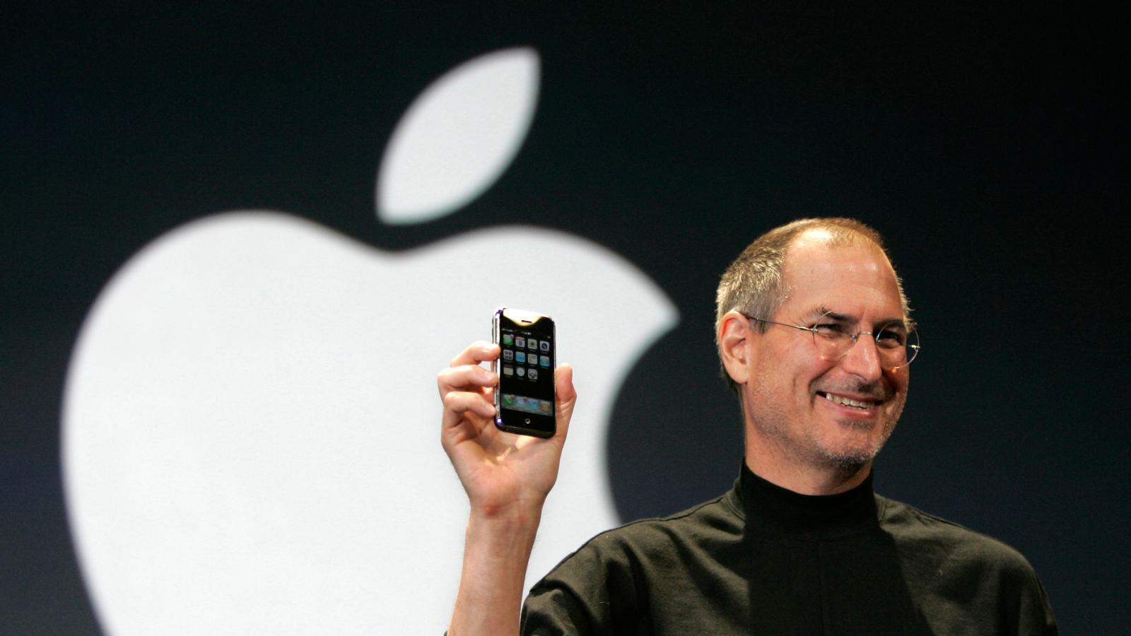 روزی تاریخی برای اپل؛ ۱۴ سال پیش اولین آیفون وارد بازار شد