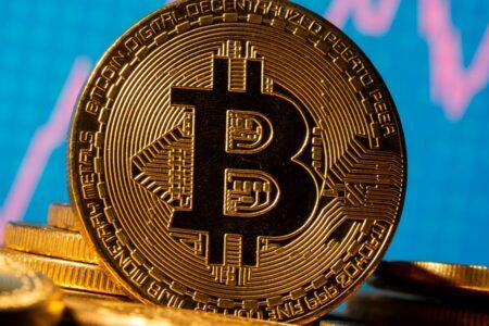 کمیسیون بورس و اوراق بهادار آمریکا مجوز معامله در اولین ETF بیت کوین را صادر میکند