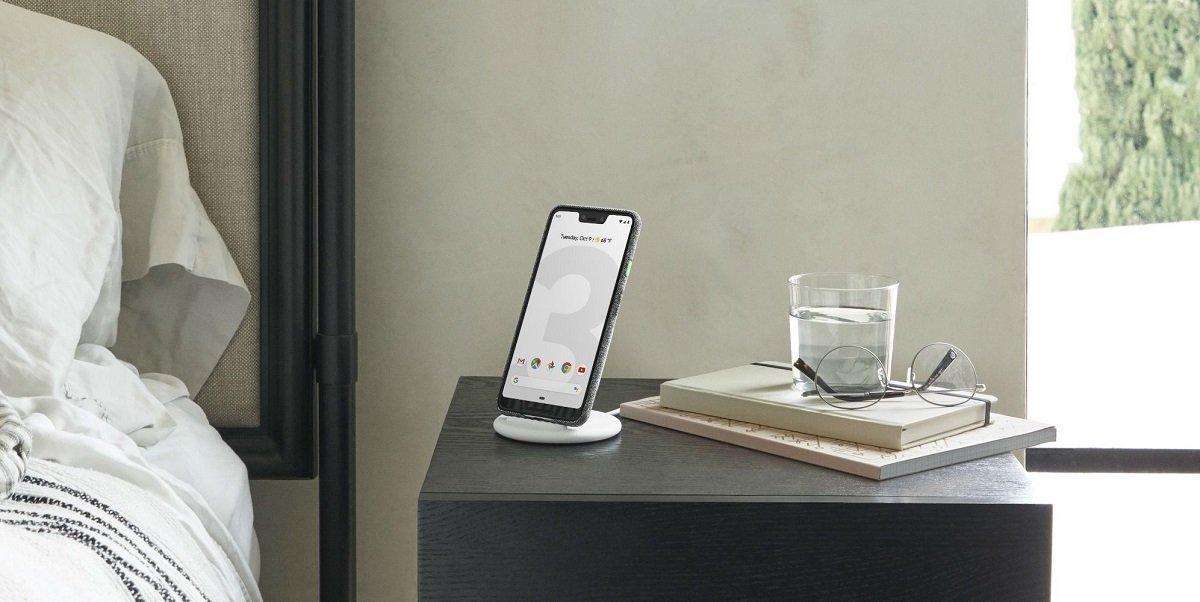 گوگل روی شارژر بیسیم «پیکسل استند» جدیدی برای گوشی پیکسل ۶ کار میکند