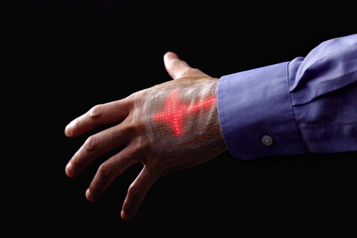 توسعه ترانزیستوری با اندازه اتمی که میتواند دستیابی به پوست الکترونیکی را ممکن کند