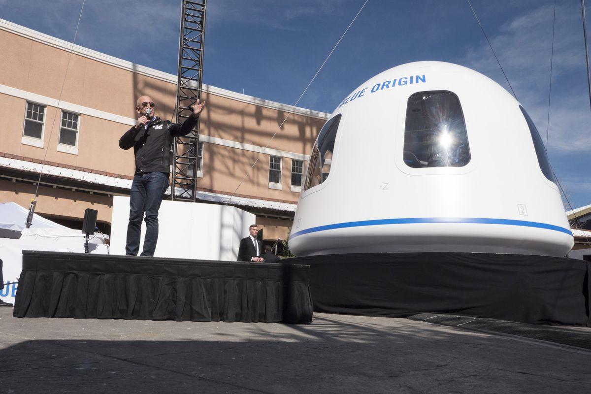 بلو اوریجین صندلی سفر به فضا با جف بزوس را به مبلغ ۲۸ میلیون دلار فروخت
