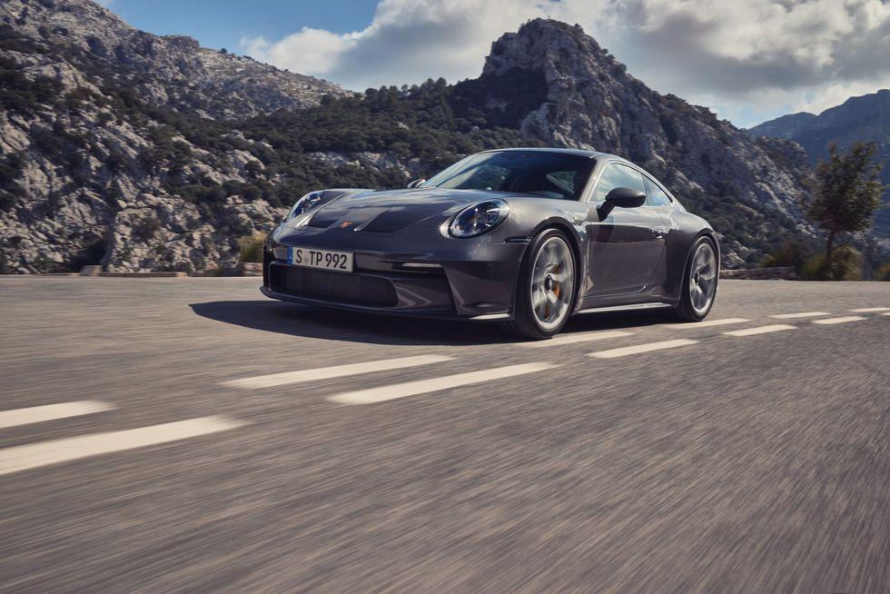 شکست پورشه 911 GT3 دنده دستی در رعایت استاندارد صدا ایالت کالیفرنیا