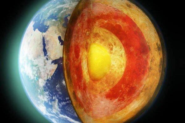 دانشمندان با کشف رشد نامتقارن هسته زمین، یک معمای ۳۰ ساله را حل کردند