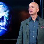 هزاران نفر میخواهند از بازگشت جف بزوس به زمین پس از سفر به فضا جلوگیری شود