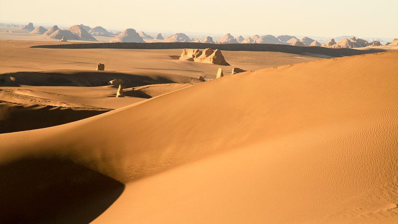 پژوهشی جدید: کویر لوت با دمای ۸۰.۸ سلسیوس گرمترین مکان روی زمین است