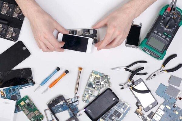 راهنمای خدمات الکترونیک: چگونه از شرکتهای گارانتی یا تعمیرکاران موبایل شکایت کنیم؟