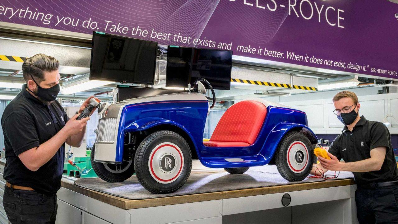 بازسازی اولین خودرو برقی رولزرویس پس از چهار سال خدمت در بیمارستان کودکان