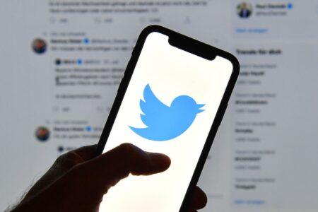 توییتر مشکل ناپدید شدن توییتها حین رفرش خودکار را برطرف میکند