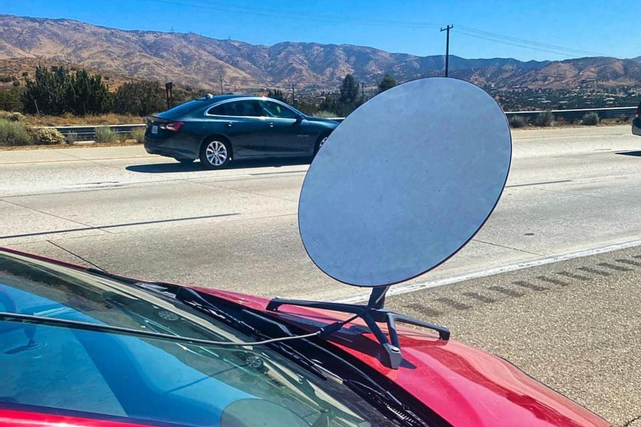 پلیس آمریکا رانندهای را بهخاطر نصب دیش استارلینک روی کاپوت خودرو جریمه کرد