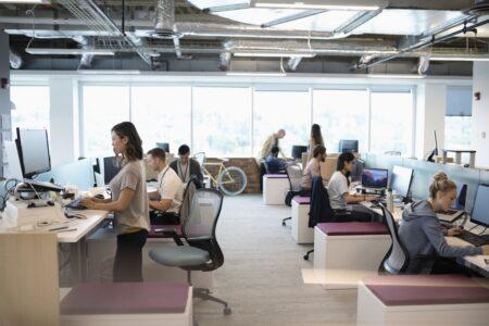 علم توضیح میدهد که چرا دفاتر پلان آزاد کابوس کارمندان هستند
