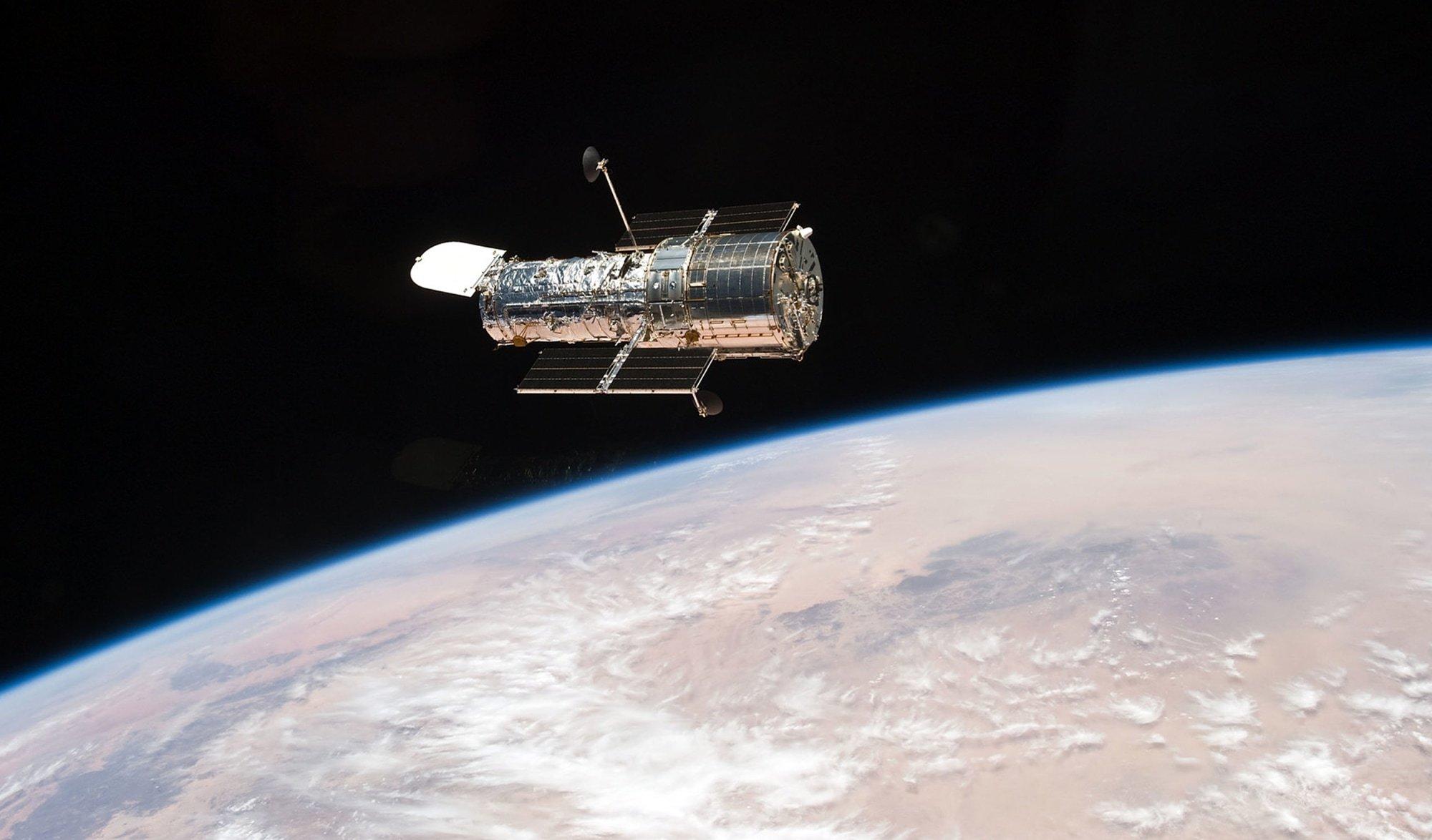 تلسکوپ فضایی هابل بعد از یک ماه خرابی دوباره شروع به کار میکند