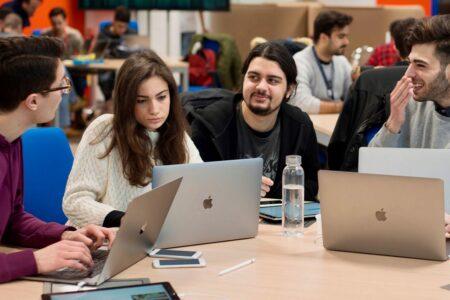 اپل اولین آکادمی توسعهدهندگان خاورمیانه خود را در ریاض عربستان راهاندازی میکند