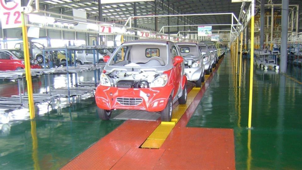 امضای تفاهم نامه تولید خودروی الکتریکی در شیراز
