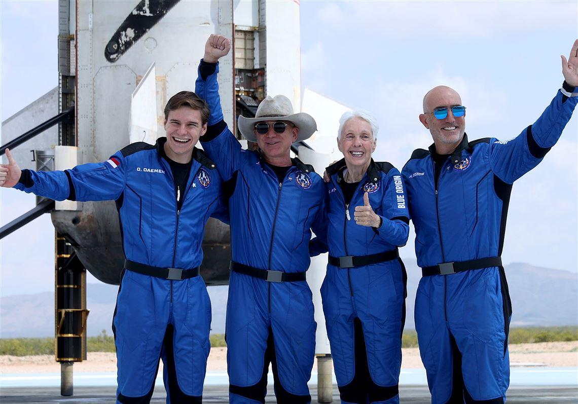 پرواز بزوس به فضا: پازل توریسم فضایی کاملتر شد