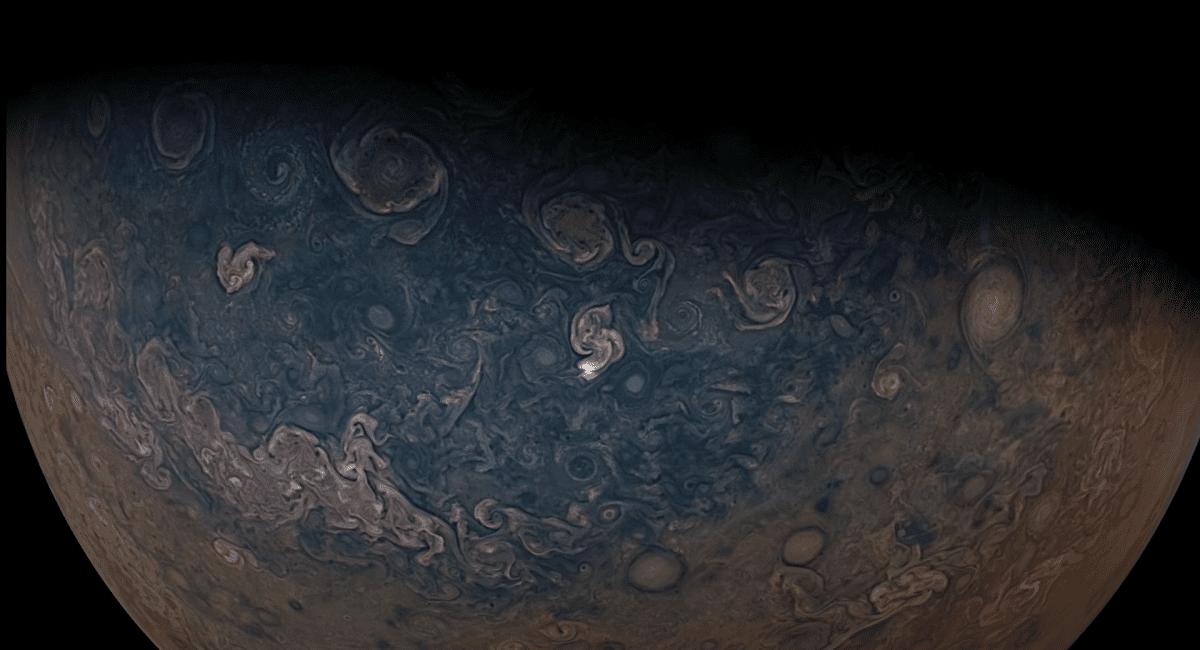 ویدیوی دیدنی فضاپیمای جونو در حال کاوش مشتری و گانمید با موسیقی ونجلیز [تماشا کنید]