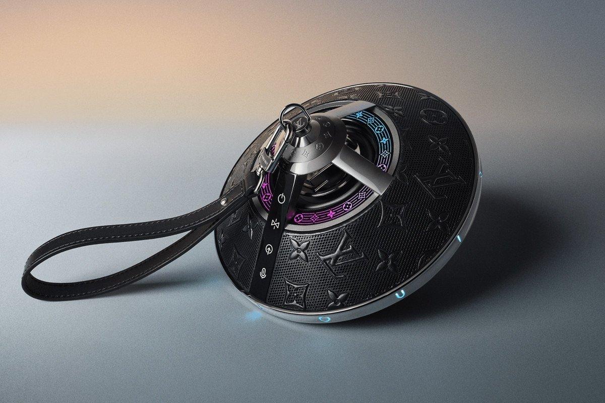 لویی ویتون از اسپیکر بیسیم ۲۸۹۰ دلاری با طراحی متفاوت و جادویی رونمایی کرد