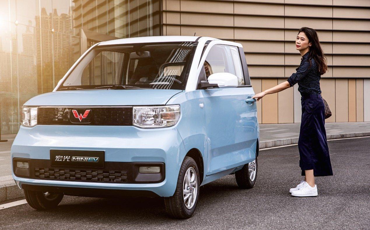 کاهش ۱۶ درصدی فروش خودرو در چین بخاطر کمبود تراشه