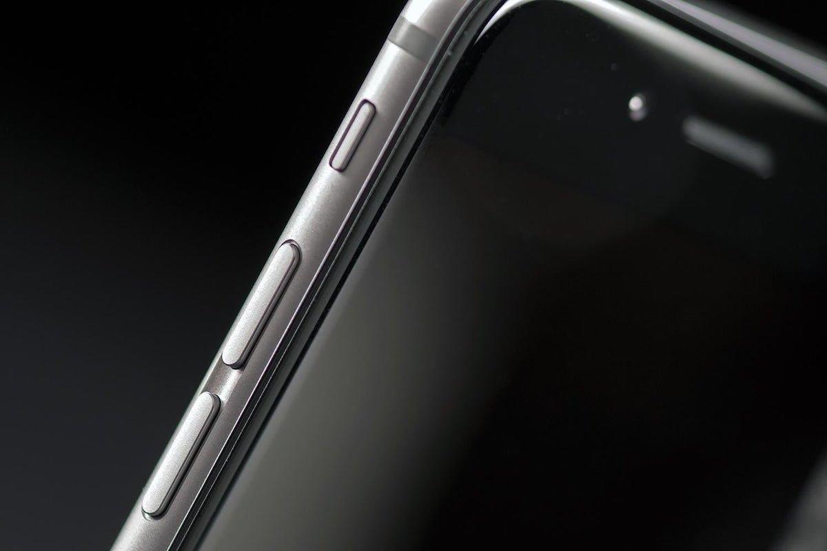 اپل احتمالا روی آیفون با نمایشگر رولشونده کار میکند