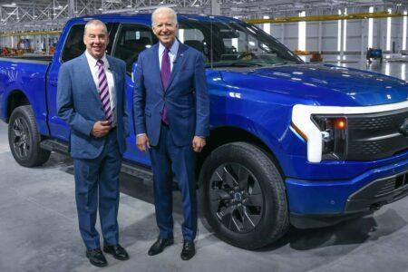 جو بایدن به دنبال برقیسازی ۴۰ درصد از خودروهای تولیدی آمریکا تا سال ۲۰۳۰