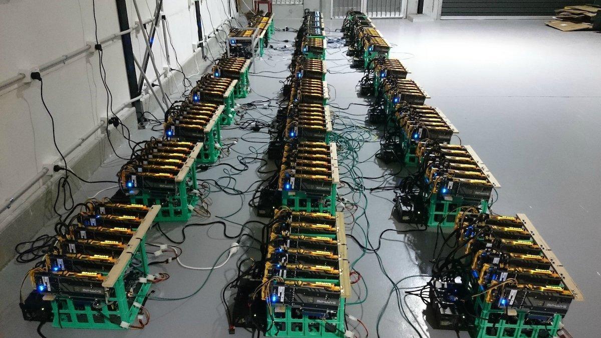 مهاجرت ماینرها از چین: یک میلیون تجهیزات ماینینگ بیت کوین به کانادا منتقل میشود