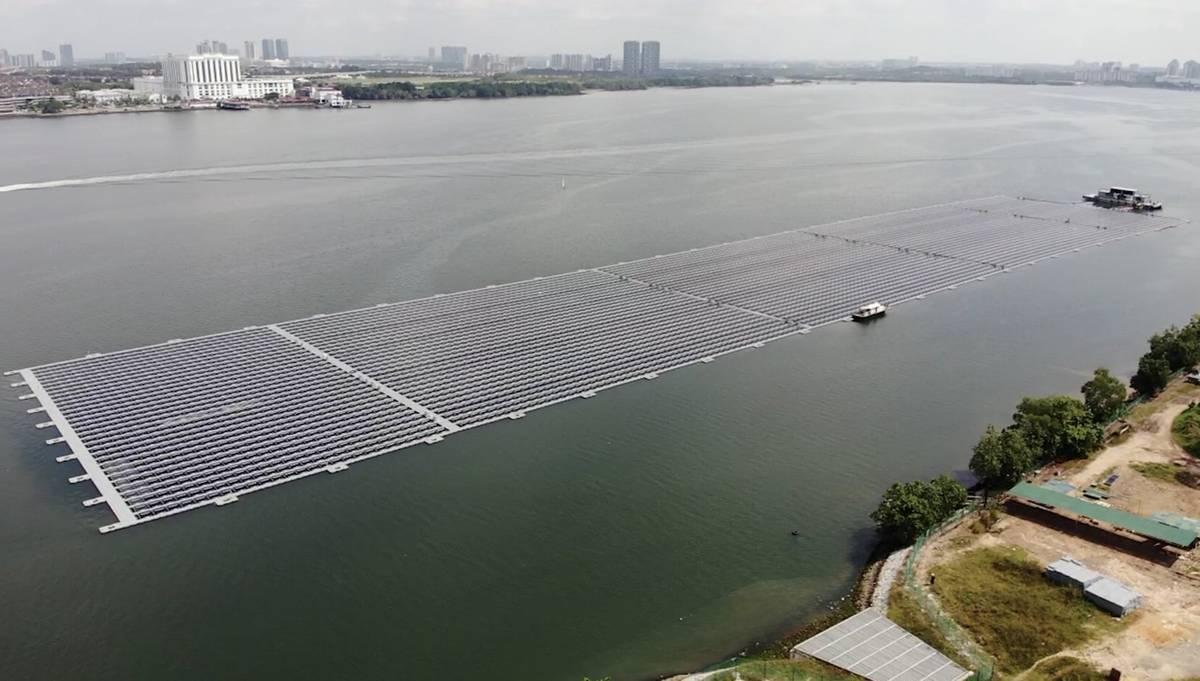 مزرعه خورشیدی شناور