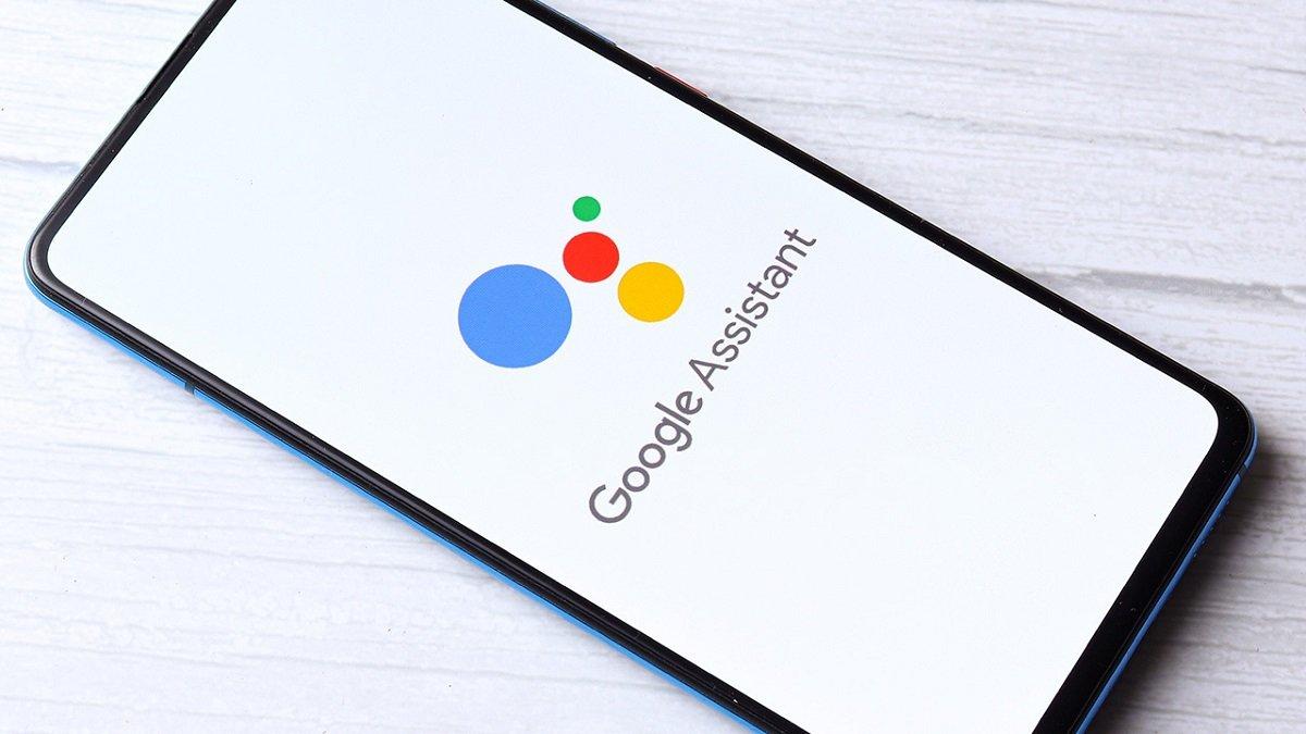 دستیار گوگل گاهی صدای کاربران را ضبط میکند اما در شرایط خاص آن را پردازش میکند